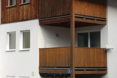 4-Zimmer-Wohnung mit 3 Balkonen und Garage