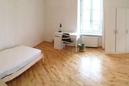 Zimmer in StudentenInnen WG ab September 3Min. von FH