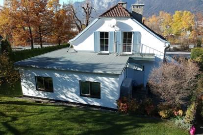 Einfamilien-Haus mit Einliegerwohnung (Garconniere), 2 getrennte Wohneinheiten, großer, uneinsehbarer Garten, kein barrierefreier Zugang