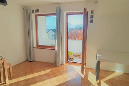 Helle DG-Wohnung (Neubau, Mietkauf) mit Balkon, Tiefgaragenplatz