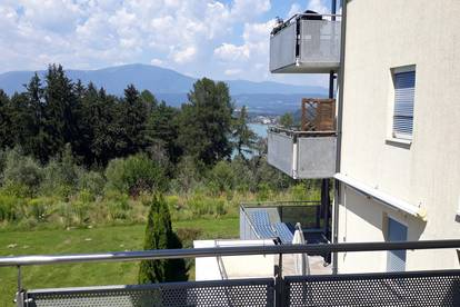 Helle Eigentumswohnung in ruhiger Waldlage mit wunderschönem Berg- und Faakersee-Ausblick