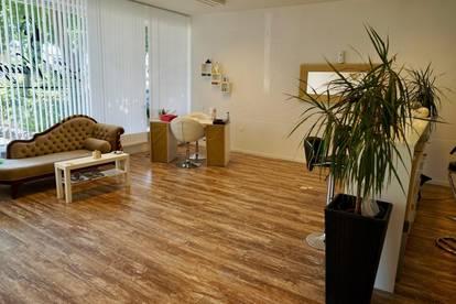 Schönes Geschäftslokal/Büro, Toplage, großer Parkplatz
