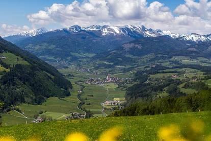 Bauträgergrundstücke auf 900m - 1200m Seehöhe in Aussichtslage, sonnenseitig.