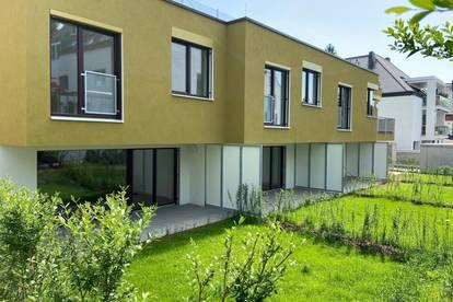 traumhafte Gartenwohnung mit Reihenhausfeeling in urbaner Grünruhelage - Erstbezug/provisionsfrei