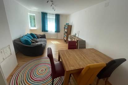 Große Maisonette- Wohnung/ Kleines Haus- FRISCH SANIERT