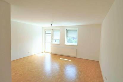 Tolle 3 Zimmerwohnung mit Balkon und Küche!