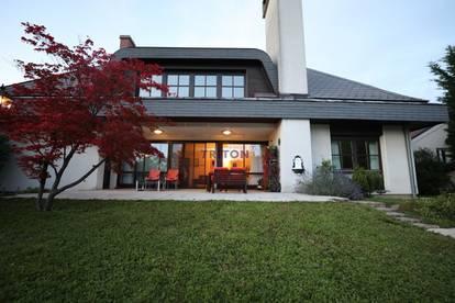 Mehrfamilienhaus mit Garten und Pool - 25 Minuten südlich von Wien