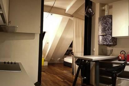 Außergewöhnliches, voll ausgestattetes 50m2 DG-Apartment im 8. Bezirk, geeignet für Singles oder ein Paar   Extraordinary, fully furnished 50m2 Rooftop-Apartment in the 8th district, suitable for singles or a couple