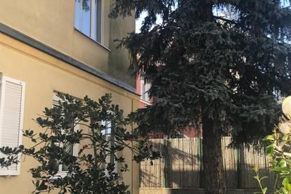 Doppelhaushälfte (Eigentumswohnung mit Eigengarten und KFZ Abstellplatz)