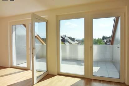 GÖMING bei OBERNDORF: Sonnige, moderne 2 Zimmerwohnung mit Dachterrasse und TG Stellplatz