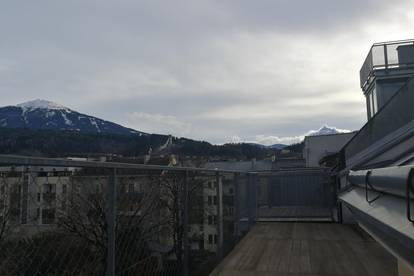 Zentrumsnahe DG-Wohnung mit großer Terrasse