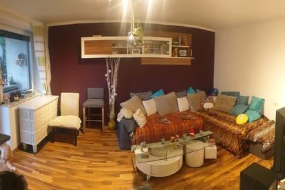 Gepflegte und ruhige 3 Zimmer Wohnung mit Loggia