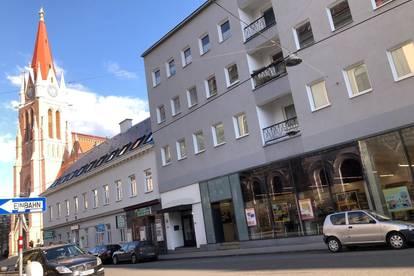 Singelwohnung mit Balkon U3-Nähe
