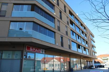 ERSTBEZUG: Mietwohnung klimatisiert in AVL-Nähe mit TG-Platz für Elektroauto