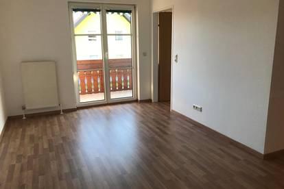 Sonnige 2-Zimmer-Wohnung im Zentrum von Bürmoos