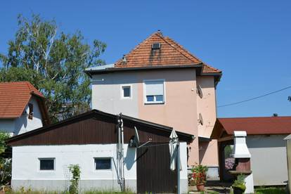 !!  ACHTUNG SCHNÄPPCHEN  !!  Haushälfte mit 700m² Grundstück 60m²  Wohnung im 1 OG+ 60m² Dachboden Ausbau Plan genehmigt