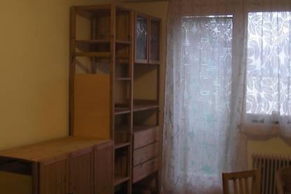 helles ruhiges Zimmer in 3er WG