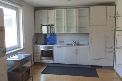 Moderne Wohnung für 2 oder Single (Großes Wohn-Esszimmer, Schlafzimmer, Top Küche)