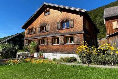 """Wohnen in einem """"Wälderhaus"""" in Bizau"""