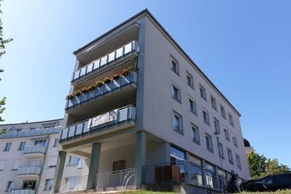 PAUL & Partner: Eigentumswohnung für Generationen - in der Thermenregion im Zentrum von Bad Vöslau - Schloßpark