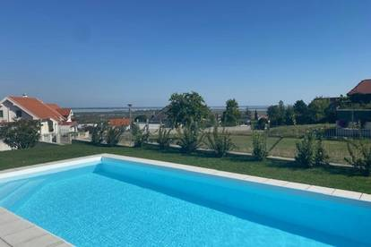 Beste Lage in Mörbisch am See - Einfamilienhaus - mit Pool - Terrassen - großem Garten - Seeblick