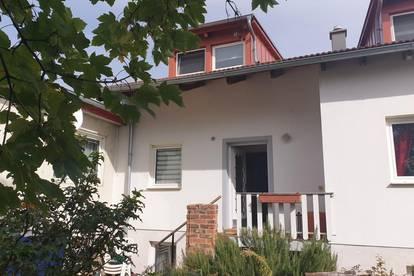 Mehrfamilienhaus für Generationen - Wohnen und Arbeiten unter einem Dach