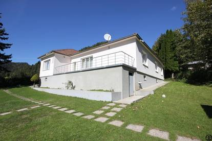 P&P: Einfamilienhaus auf 2.600 m² Grund mit traumhaftem Ausblick + Sauna + Pool