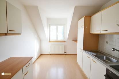 Klausen Leopoldsdorf: 2 Zimmerwohnung mit eigener Terrasse beim Eingang!