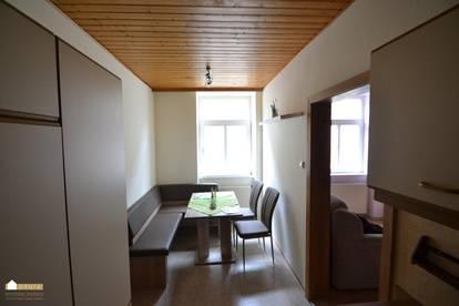 Provisionsfrei! Raumwunder 3 Zimmer plus Einbauküche mit Essplatz in Weissenbach an der Triesting