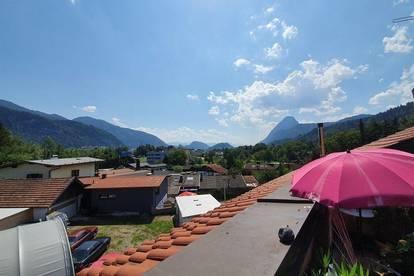 Sehr große Dachgeschoßwohnung in einer kleinen Wohnanlage am Stadtrand!
