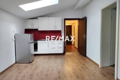 Mietwohnung: 2 Zimmer, 2 Bäder, Balkon