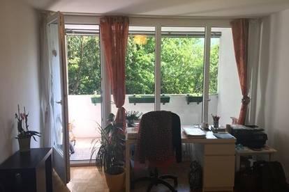 2 Zimmer Wohnung in Bahnhofs Nähe!