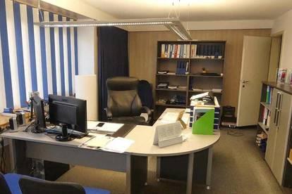 Büro mit Lager und Garagen in Innsbruck