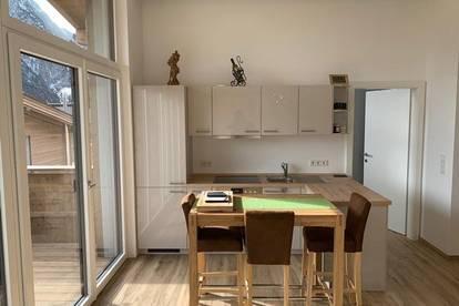 Hochwertig ausgestattete 3 Raum Wohnung mit Terrasse!