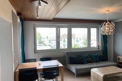 Single Wohnung mit Balkon!