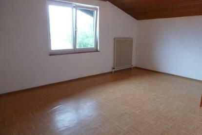 Gepflegte 3-Zimmer-Wohnung im Dachgeschoß!