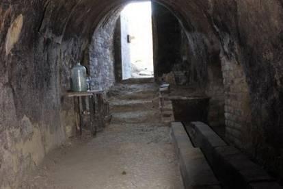 Kellerröhre Pfaffstätten