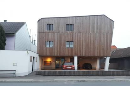 Wohlfühlen mit Holz - 2 Zimmerwohnung mit Garten