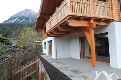 Kaiserblick & Tiroler Charme: Wunderschöne, kernsanierte 3-Zimmer-Wohnung mit Garten zu mieten