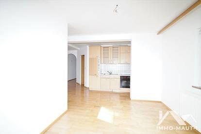 Breitenbach am Inn: 3-Zimmer-Wohnung mit 2 Balkone ab sofort zu vermieten!