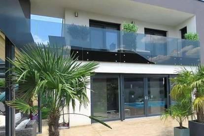 ++ Moderne Villa mit Swimming Pool   1 T ERASSE 200 m²  MEHR ALS NUR WOHNEN  6 ZIMMER  WFL. 196 m² GFL. 500 m²   1 BALKON 25 m² ++