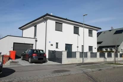 LUXURIÖSES EINFAMILIENHAUS ++ Solaranlage ++ Wfl 186m² ++ POOL ++ KAMIN ++ Grundstück 601m² ++ Garage ++ 5 Zimmer