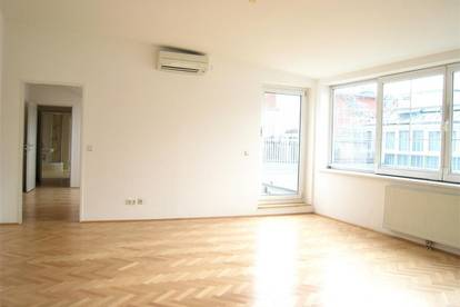 Nahe 1. Bezirk: Die lichtdurchflutete Stadt-Wohnung für Pärchen mit 50 m² Terrasse/Dachgarten!  U2/U4 Schottenring/Herminengasse!!