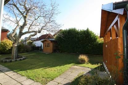 !! Kompaktes Einfamilienhaus mit sehr schönem Garten !!  -- Grundstücksgöße ca. 456m² -- Wfl. ca. 88m² -- 3 Zimmer --