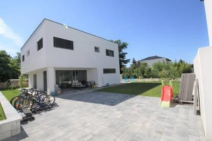***MODERNES TRAUMHAUS  Gfl. 420 m² Wfl. 151 m² Mit Pool  6 Zimmer  ***