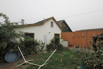 ----Zum Verkauf kommt ein 480m² großes Grundstück mit einem im Jahre 1930 erbauten Bauernhaus in Chorherrn---