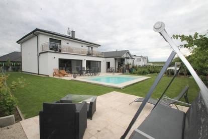 POOL ++ Solaranlage ++ KAMIN LUXURIÖSES EINFAMILIENHAUS ++ 5 Zimmer ++ Grundstück 601m² ++ Wfl 186m² ++ Garage