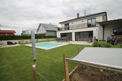 ++ RUHELAGE ++ Sehr helles Einfamilienhaus ++ NÄHE BAHNHOF ++ 5 Zimmer ++ 15km von der Stadtgrenze entfernt