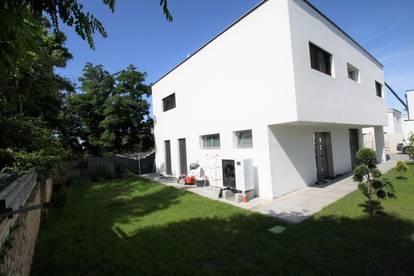 MODERNES TRAUMHAUS mit Pool und 6 Zimmer  ** Gfl. 420 m² ** Wfl. 152 m²