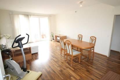 Wunderschöne große gepflegte 3 Zimmer Wfl. 83 m² Wohnung mit Dachterasse 86,03 m²